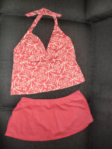 ALMOST NEW JANTZEN 2 PIECE BATHING SUIT- SIZE 14