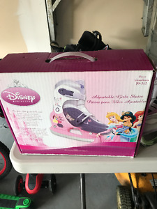 Adjustable disney princess skates *NEW IN BOX*