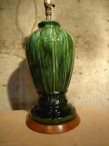 TALL ART POTTERY VINTAGE TABLE LAMP