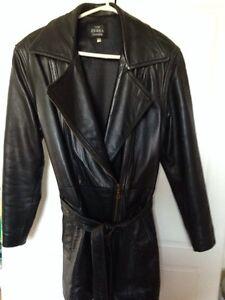 Women leather coat Windsor Region Ontario image 3