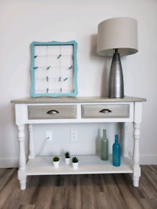 Beautiful Entrance / Sofa Table