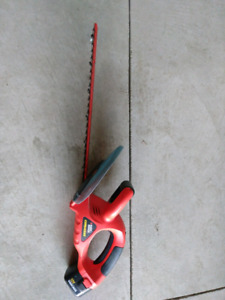 """19"""" Black and Decker Cordless Hedge Trimmer"""