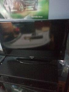 """ALMOST NEW! Samsung TV 32"""" LED TV Model UN32D4003BD"""