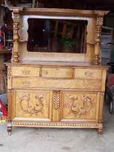 Bahut Antique