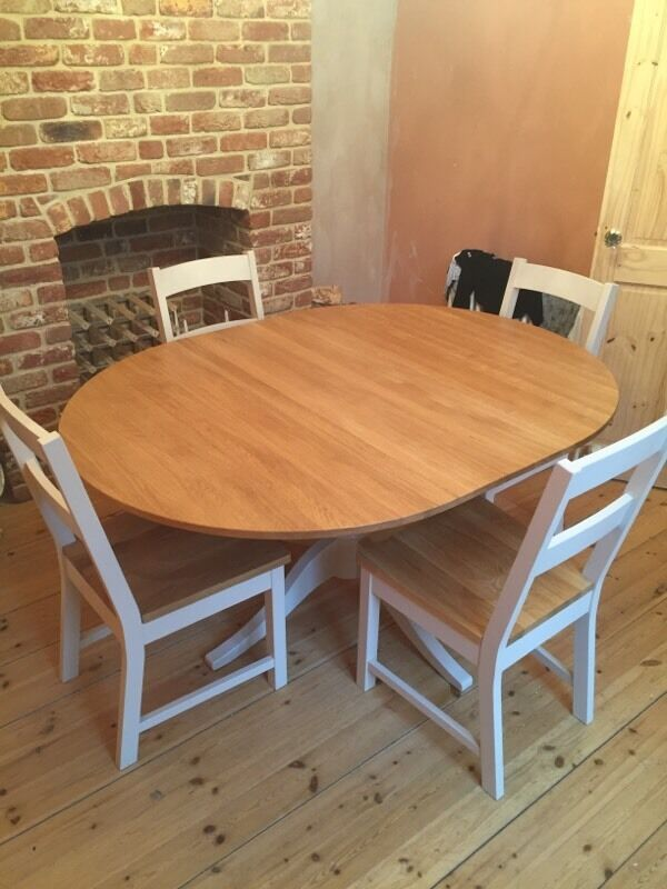 Laura ashley oakham pedestal table and chairs in for Dining room tables on gumtree