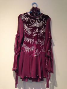 Figure Skating DRESS youth sz. 12-14. Excellent cond.