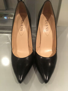 GUESS stiletto in black leather