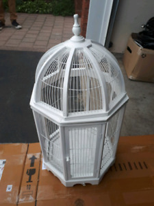 EXQUISITE DECORATIVE BIRD CAGE