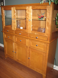 Dining Room Hutch w display lighting
