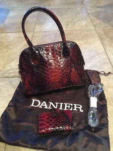 Daniel Leather Purse