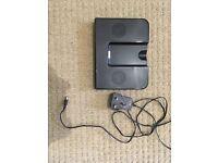 iPod iPhone speaker docking station