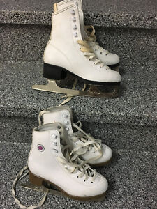 Patin a glace fille taille 2 ou 3 Blanc 15$ chaque
