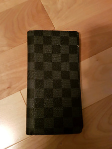 Replica Louis vuitton passport wallet