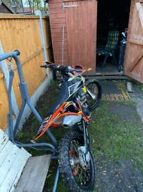 Someone stole my bike. I offer £ 1,000 to help find my bike.ktm250cc