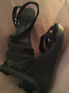Crocs, ladies strappy wedge. Black
