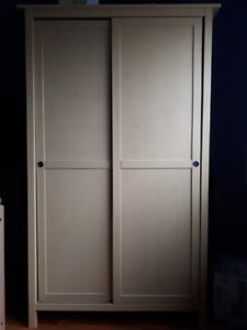 Armoire-penderie Hemnes IKEA