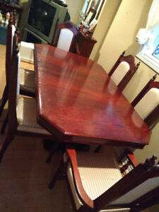 7 Piece wood dinning room set W/ Buffet and Hutch