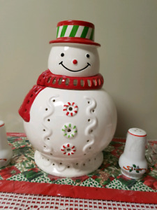 Partylite 12 inch Snowman candle holder with box.