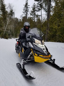 2016 SKI-DOO MXZ BLIZZARD 800 **PACKAGE DEAL** Reduced to $8750