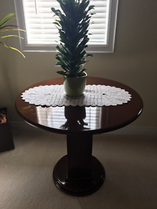 Beautiful round decor table with gloss