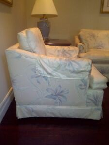 Arm Chair Upholstered, Arm protectors, rarely used, clean Kitchener / Waterloo Kitchener Area image 3