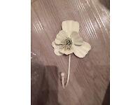 Metal flower hook