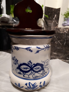 wall mounted blue and white porcelain coffee container