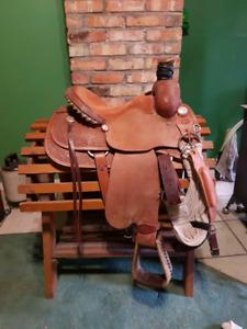 """15"""" Fort Worth Saddle Co. Roping Saddle"""
