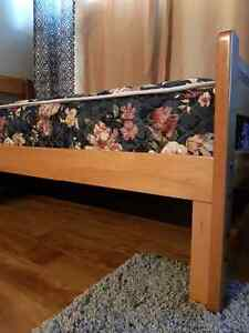 Twin mattress and wooden bedframe (good condition)