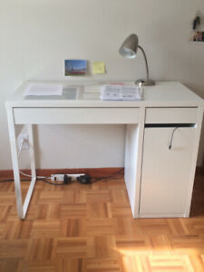 Desk and bedframe for sale Lower Plateau