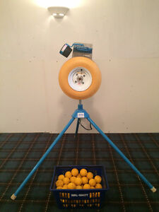 JUGS Baseball / Softball Pitching Machine with 59 Dimple Balls
