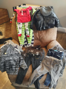 Assorted boys clothing items - size 3