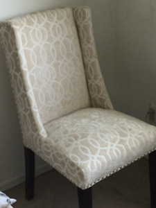 Beautiful creme velvet patterned accent chair