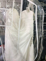 Wedding dress, veil and earring/necklace set for sale!!