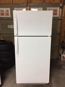 Frigidaire Fridge - 18.2 CU FT