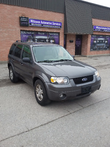 2005 Ford Escape Limited SUV, Crossover