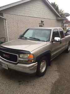2000 gmc sierra 5.3 vortex engine mint shape for sale or trade ! London Ontario image 1