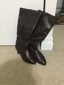 Brown size 5.5 Leather Boots London Ontario image 1