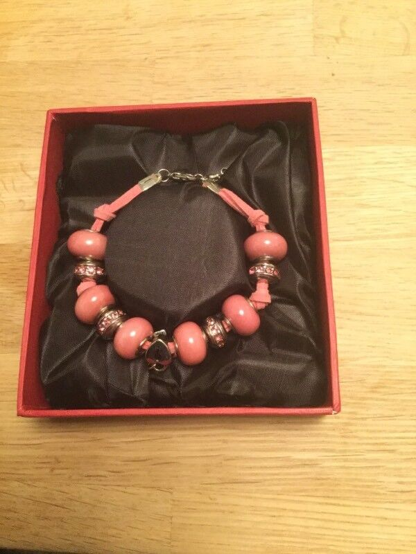 Ladies / Girls Beau Beads Bracelet BNIB