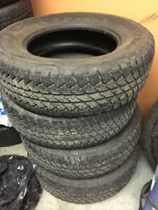 Bridgestone Dulers all-season Tires P255/70r18 70% Wrangler