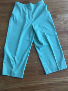 Size 14 - Dress Pants 2.00$ each