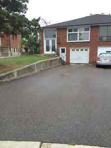 SEMI DETACHED HOUSE FOR LEASE IN MISSISSAUGA(MALTON)