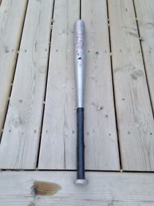 METAL BASEBALL BAT