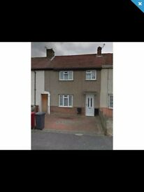 4 Bedroom terraced house in the centre of slough (AVAILABLE IMMEDIATELY)