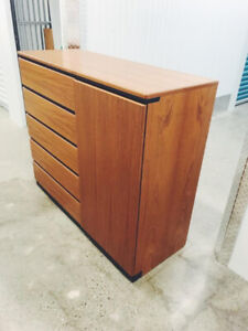 Vintage Midcentury Chest of Drawers / Tallboy Hutch