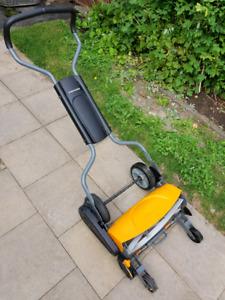 Fiskars manual lawn mower barely used