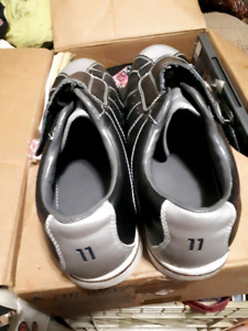 Size 11 bowling shoes