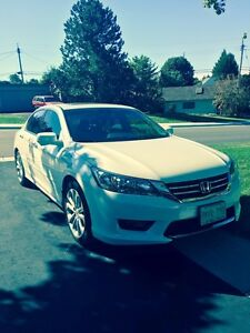 2015 Honda Accord V6 Touring + Navi (Loaded)