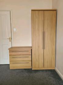 Wardrobe and drawers set