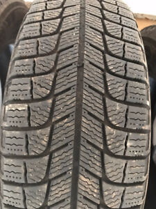 Michelin Ice-X Michelin-X-Ice Xi3 195/65R15 Winter Tires